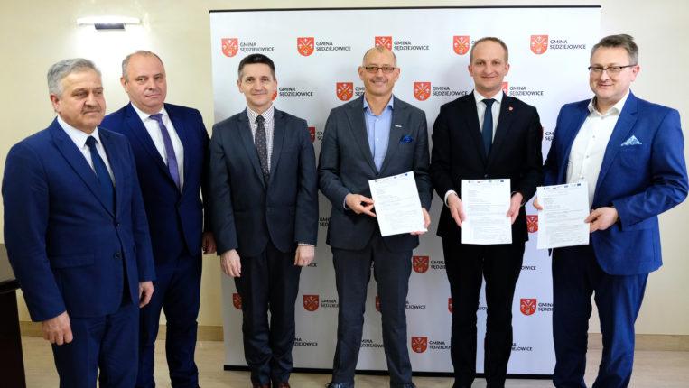 """Umowa na realizację zadania """"Budowa przedszkola w Sędziejowicach"""" – podpisana!"""
